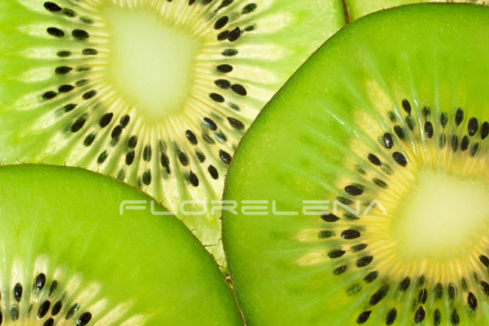 Slices of ripe kiwi fruit (macro)